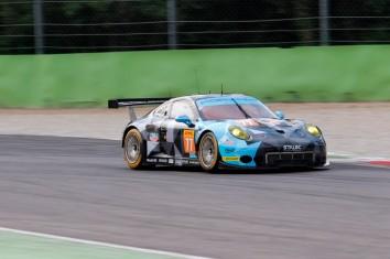 #77 Dempsey-Proton Racing Porsche 911 RSR | C. Ried / M. Cairoli / M. Dienst