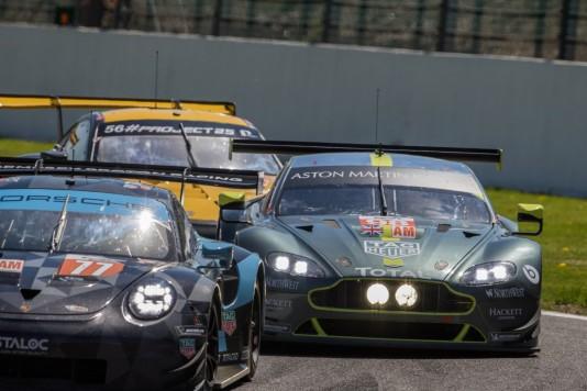 #98 Aston Martin Racing Aston Martin VANTAGE - Paul DALLA LANA \ Pedro LAMY \ Mathias LAUDA