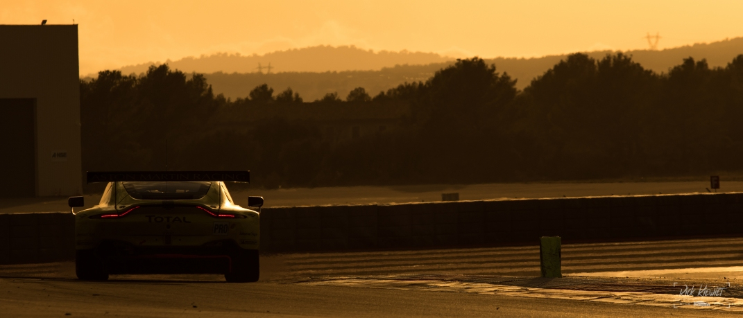 Aston Martin Vantage at Sundown
